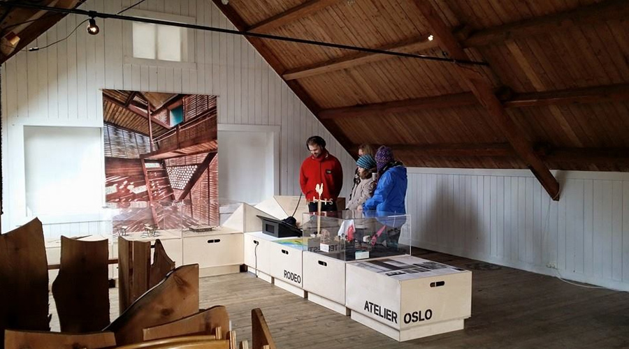Grafikk: Vandreutstilling - Under 40. Ung norsk arkitektur 2013 | Stamsund.no | Stamsund på Nett